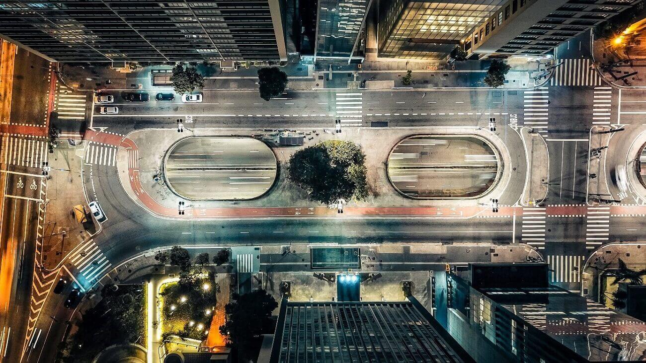 Vista aérea da Praça do Ciclista, próxima às estações de metrô Consolação e Paulista   Club Coworking